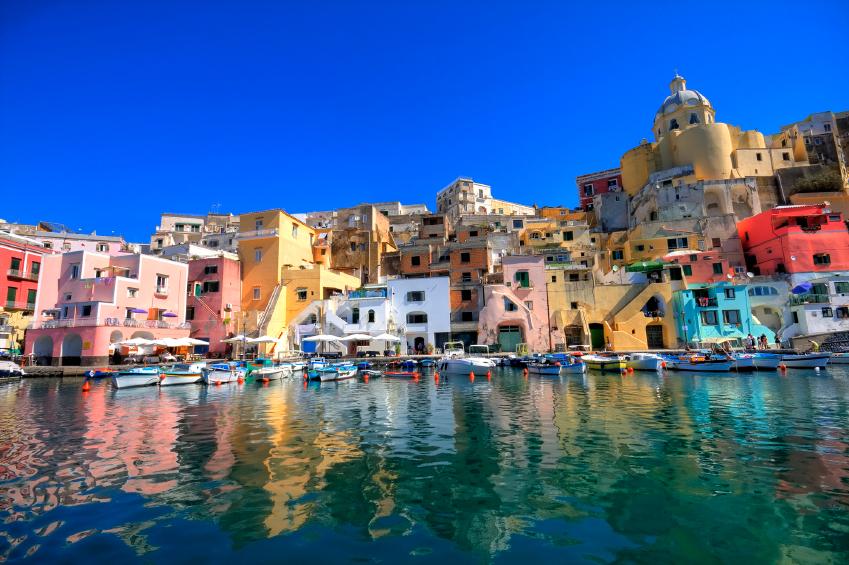 Сицилия - Неаполь: как добраться, паром, поезд, расстояние: http://www.siciliya-italiya.ru/siciliya-info/47-kak-dobratsya-iz-neapolya-na-siciliyu.html